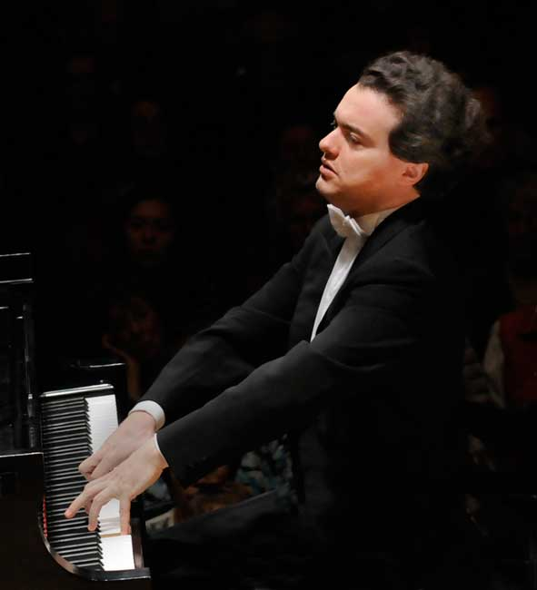Evgeny Kissin (Stu Rossner photo)