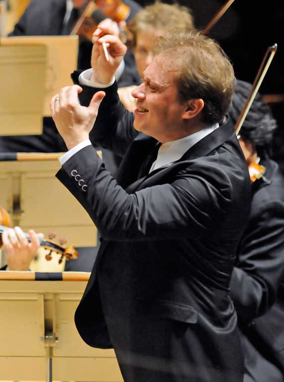 Ludovic Morlot conducts the BSO (Stu Rosner photo)