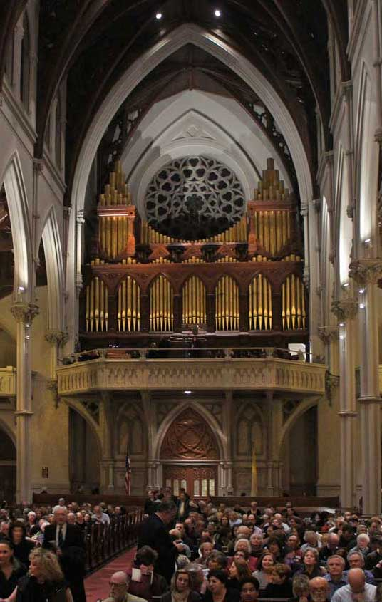 Hook and Hastings organ at Holy Cross. (BMInt staff photo)