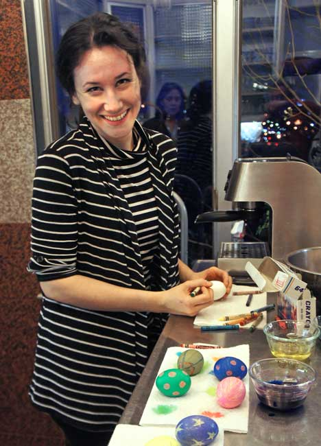 A very relaxed Martina Filjak decorates Easter eggs the night before her concert in 2014. (BMInt staff photo)