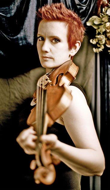 Concertmaster Aisslinn Rosky (Matthew Marigold photo)