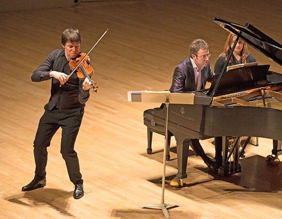 Joshua Bell with pianist Sam Haywood (Robert Torres photo)