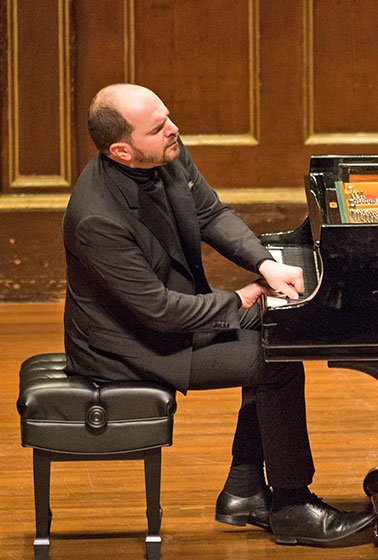 Kirill Gerstein in Celebrity Series recital (Robert Torres photo)
