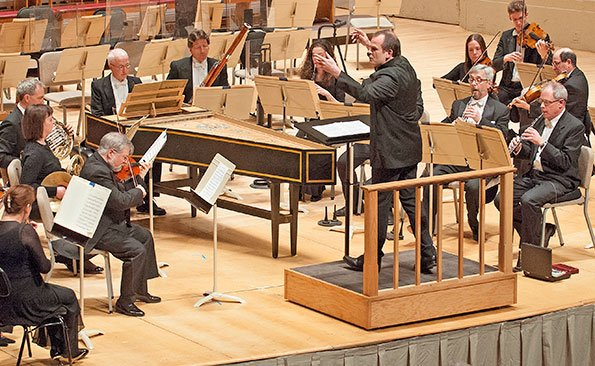 François-Xavier Roth leads Brandenbrug Concerto (Stu Rosener  photo)