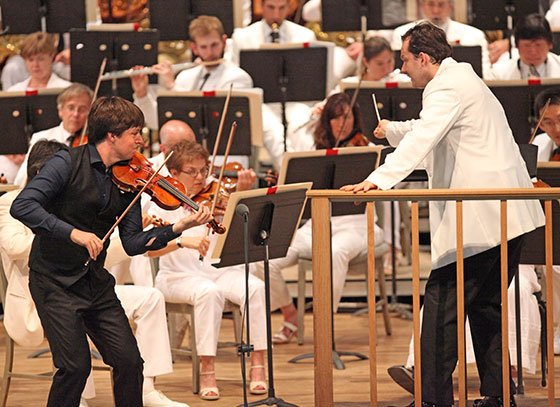 Joshua Bell and Andris Nelsons with BSO Sunday (Hilary Scott photo)