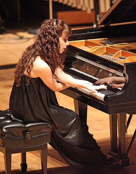 Katherine Dowling performs John HarbisonsParodyFantasia (Hilary Scott photo)
