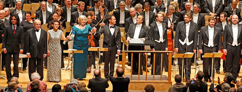 Soloists and conductors bow. (Winslow Townson photo)