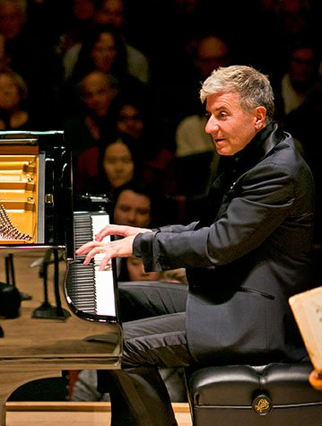 Jean Yves Thibaudet at BSO on Thursday (Dominick Reuter photo)