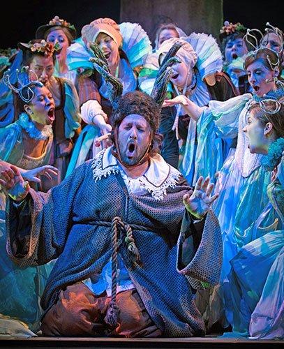 Oren Gradus as Falstaff  (Kathy Wittman photo)