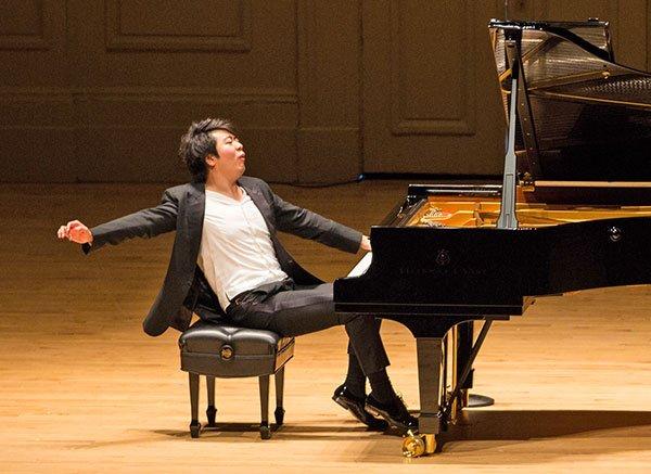 Lang Lang plays Symphony Hall (Robert Torres photo)