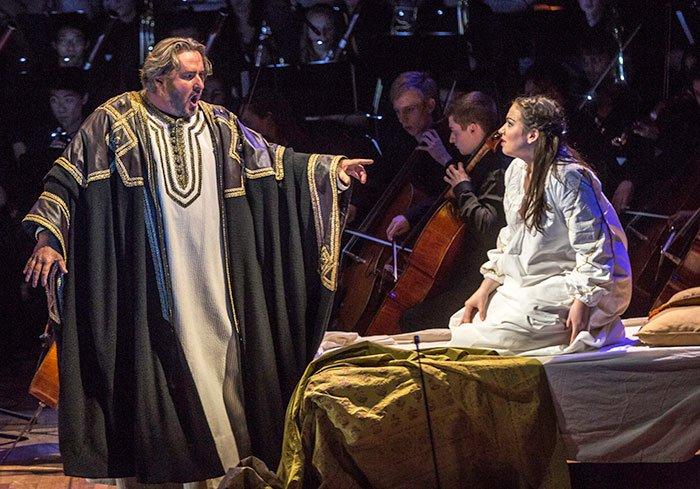 Otello and Desdemona (Michael J. Lutch photo)