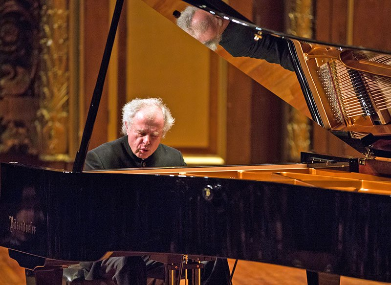 Sir András Schiff (Robert Torres photo)