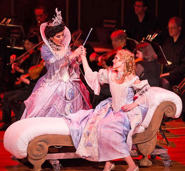 Queen of the night (So Young Park) and Pamina (Leah Partridge)