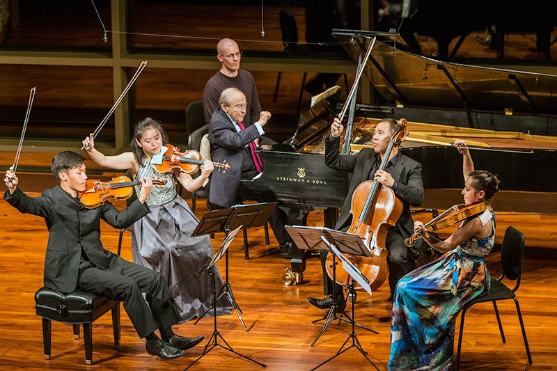 The Parker Quartet with Menahem Pressler (Michael J. Lutch photo)