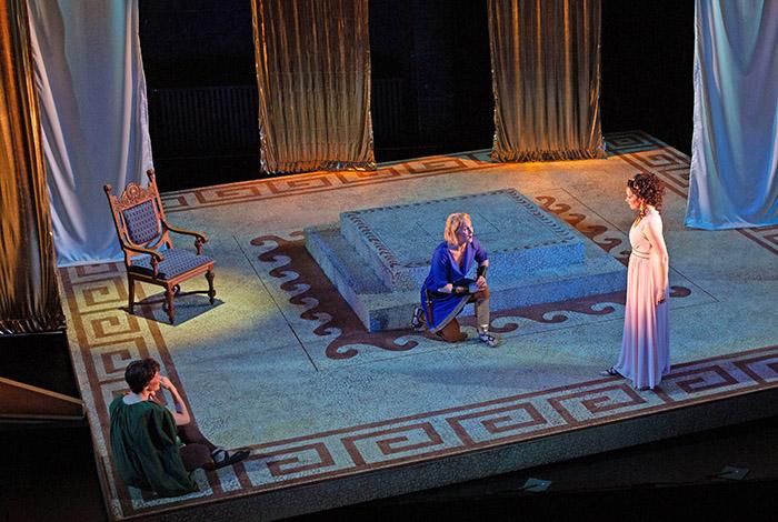 Gluck Tells Superb Tale of Seduction - The Boston Musical